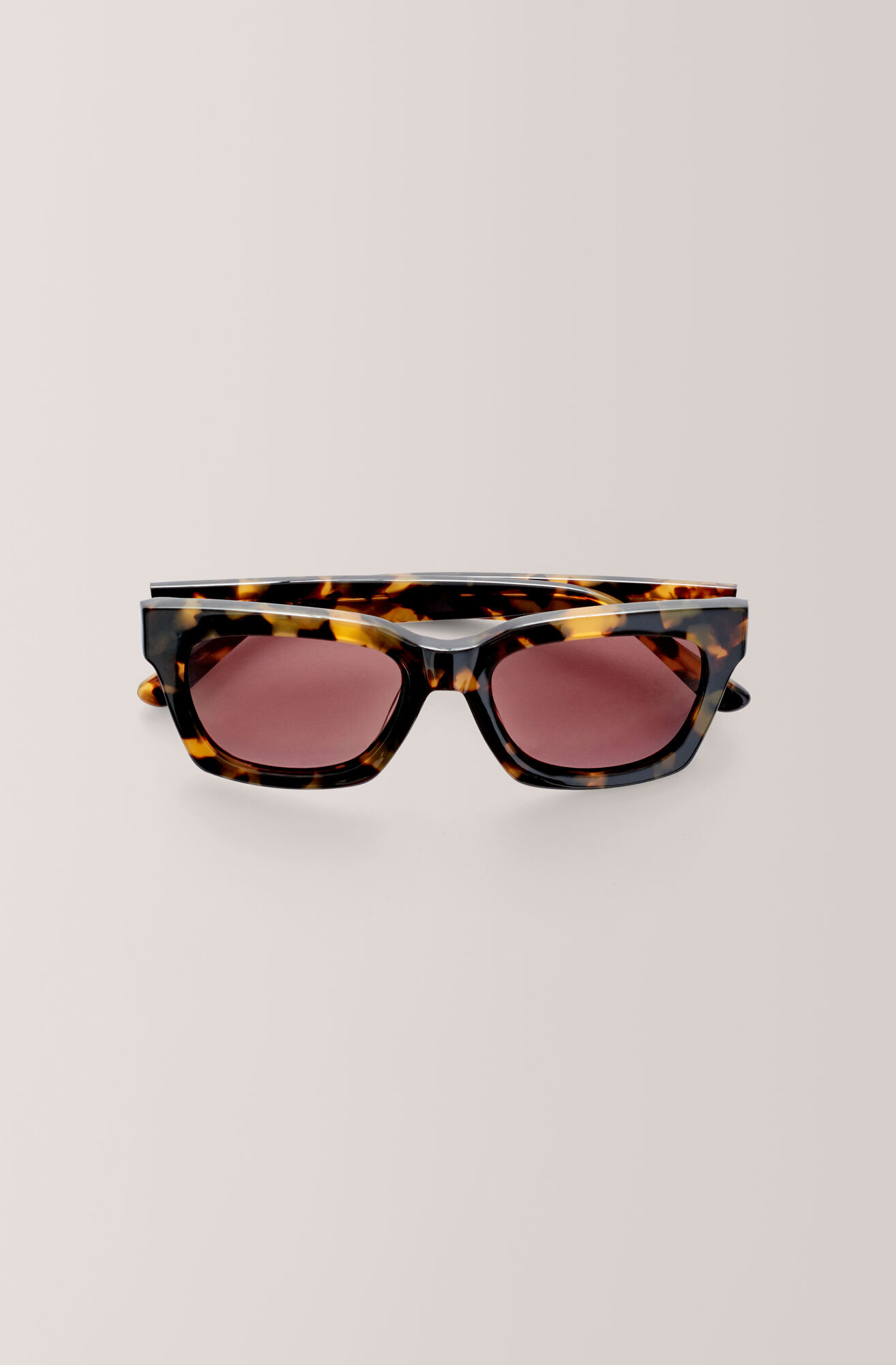 317f548b866c GANNI Alice Sunglasses ( 145.00 GBP )   Shop your new Alice ...