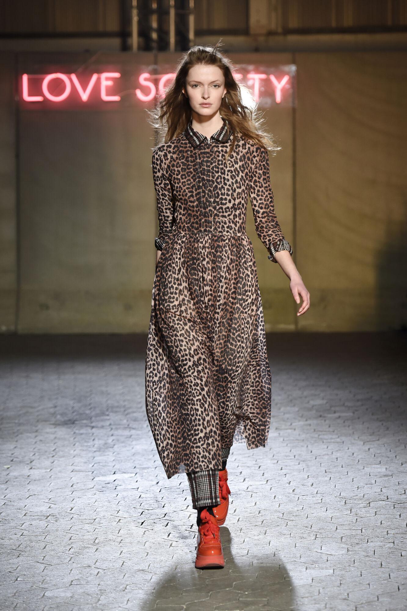 3731253028f Tilden Mesh Maxi Dress