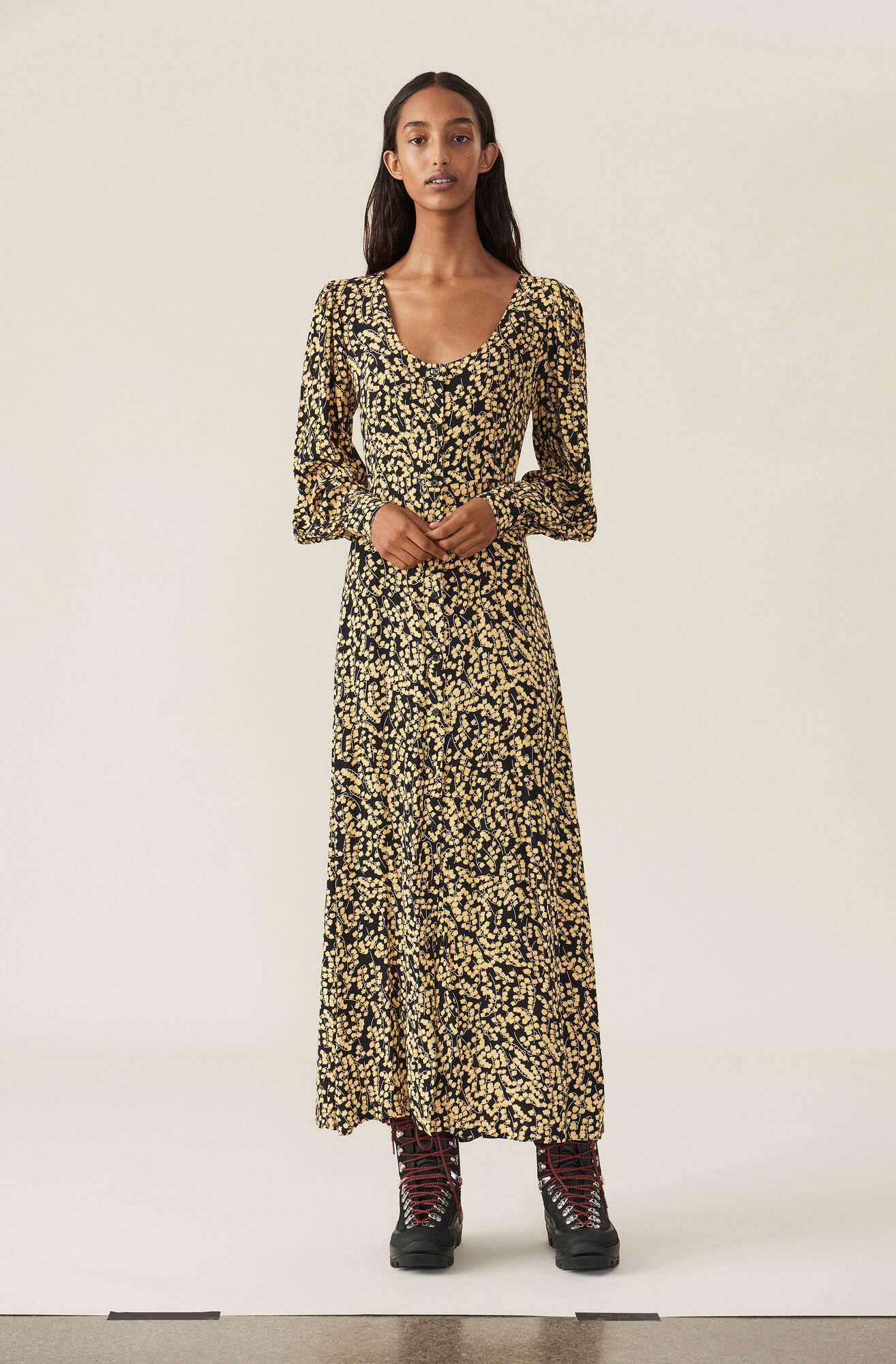 b65489bb880 GANNI Printed Crepe Maxi Dress ( 124.00 EUR ) | Shop your new ...