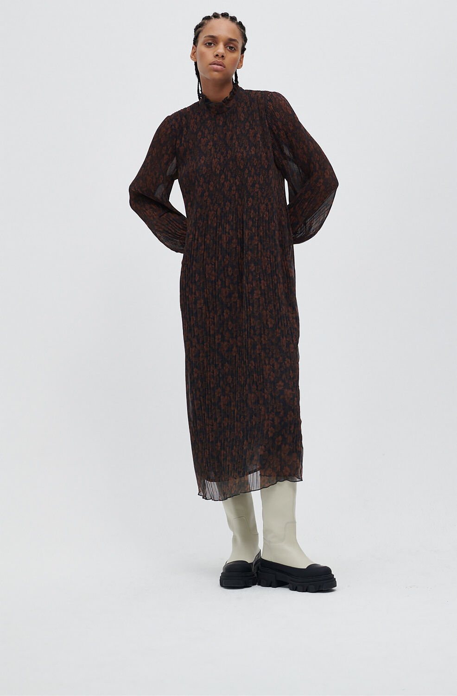 가니 플리츠 롱 원피스 Ganni Recycled Pleated Georgette Midi Dress,French Roast